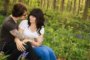 Couple photo shoot in bluebell woods