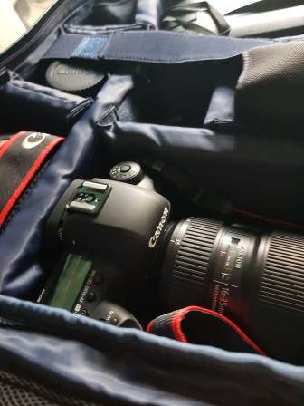 The tog bag with the canon 5d mk iv